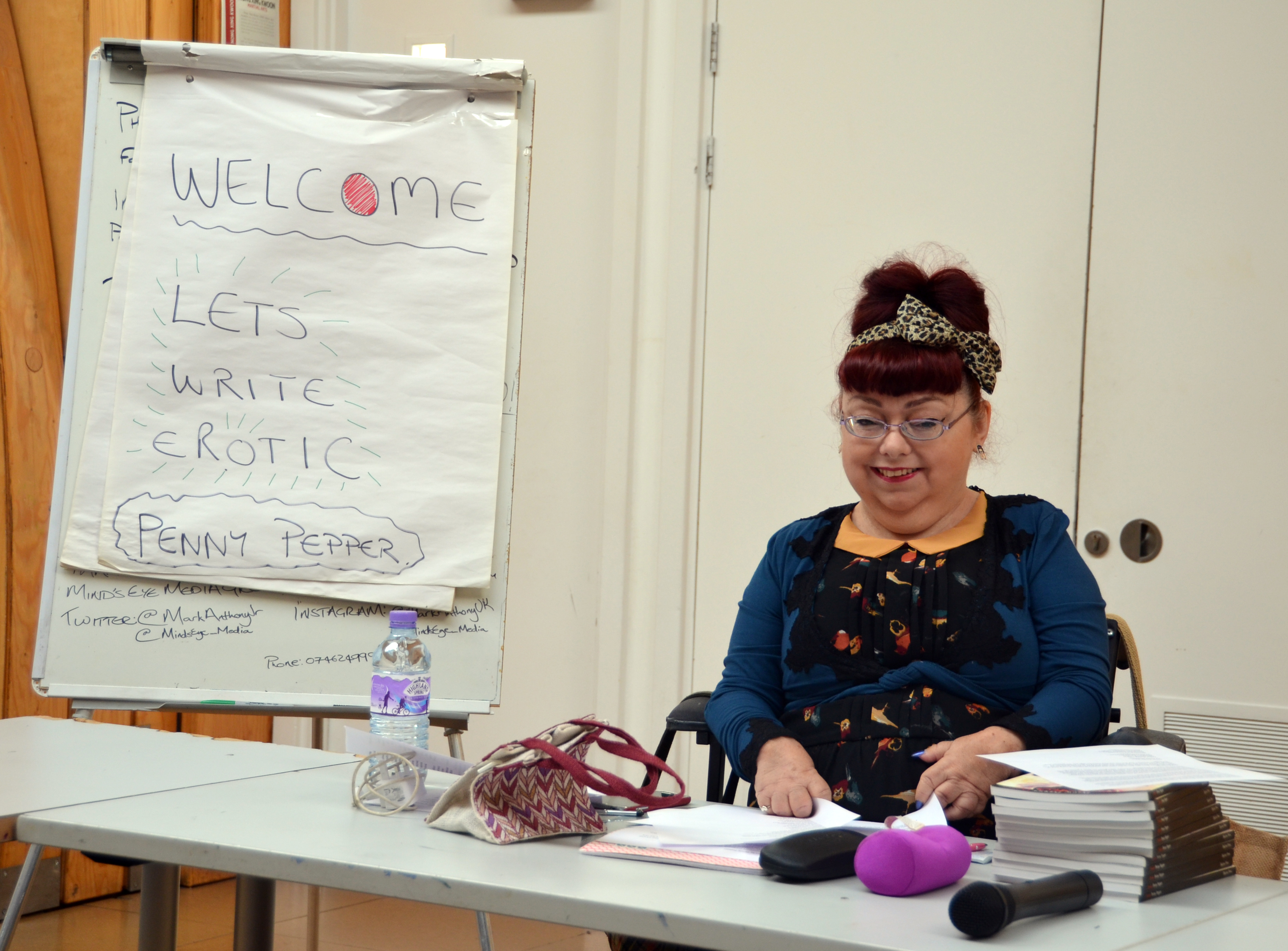 Penny Pepper leads the erotic writing workshop at the Hub in August 2015