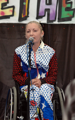 Vocalist Roxana Stroe
